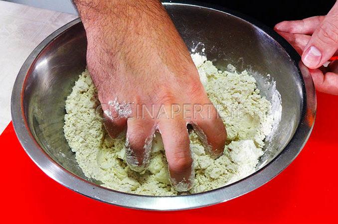Mescolare a mano