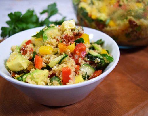 Insalata di quinoa vegana