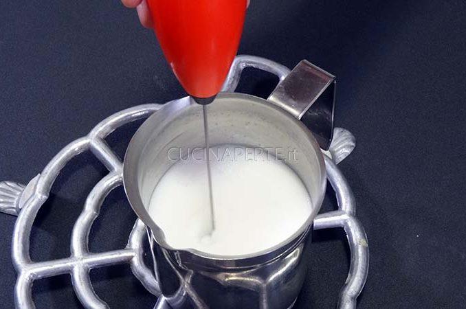 Montare il latte