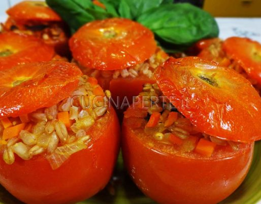 Pomodori ripieni di farro