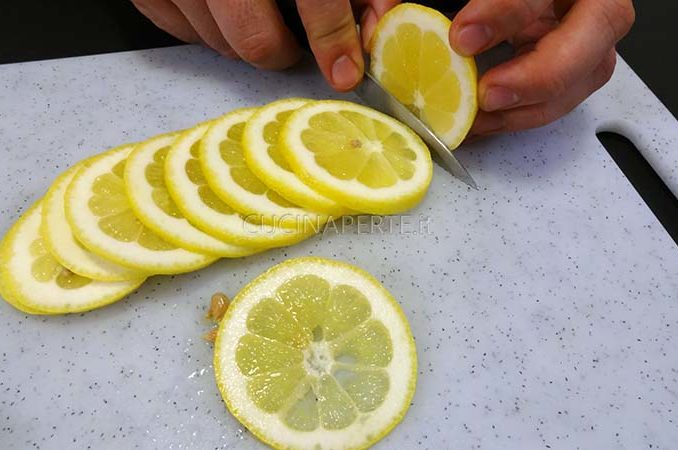 Affettare limone