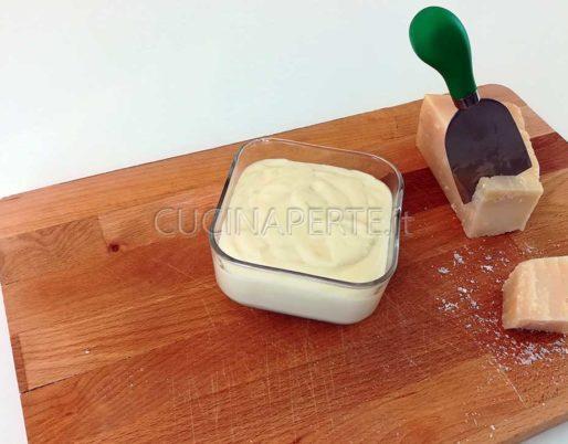 Crema al Parmigiano