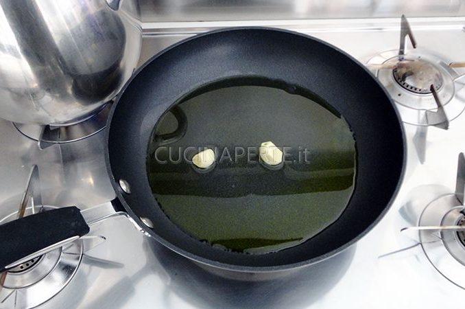 Rosolare l'aglio