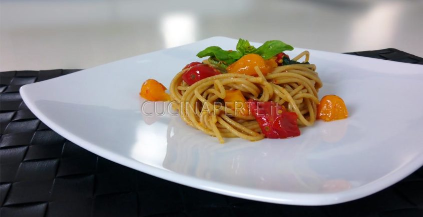 spaghetti con pomodoro