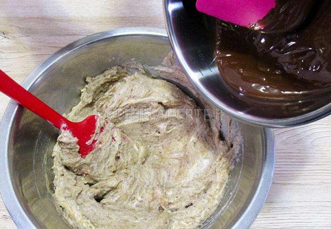 Aggiugnere cioccolato fuso