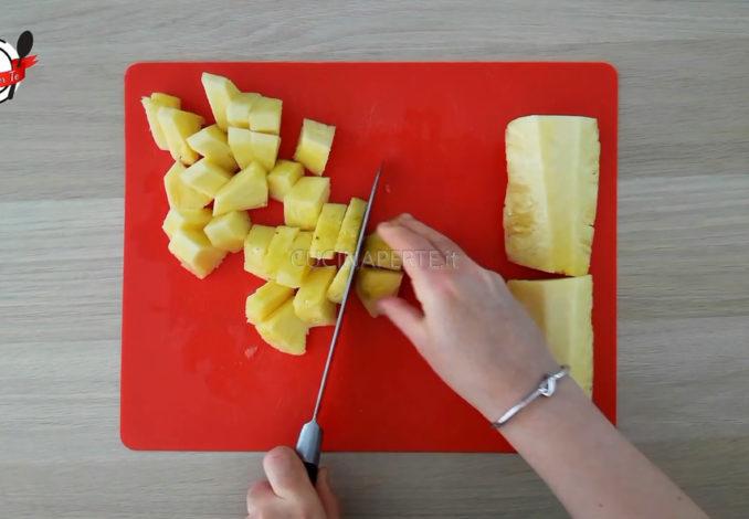 Sbucciare un ananas